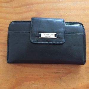 Kenneth Cole New York Wallet Black Leather Clutch